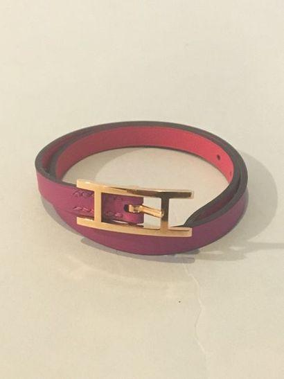 HERMES Bracelet en veau swift rose extrême...