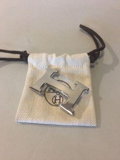 HERMES Boucle H en métal palladié (avec pochon)...