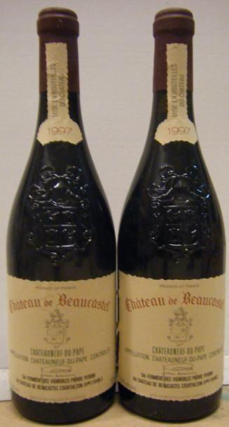 2 Bouteilles BEAUCASTEL 1997