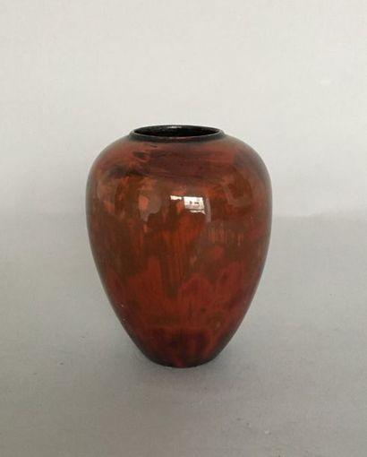JEAN DUNAND (1877-1942) Petit vase balustre...