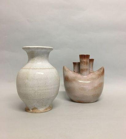 La Batisse Vase balustre en céramique à engobe...