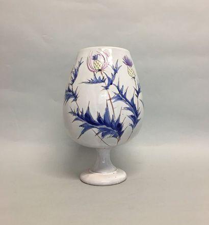 Vallauris Vase coupe sur piedouche en faience...