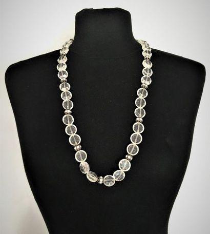 YVES SAINT LAURENT Collier de perles facettées...