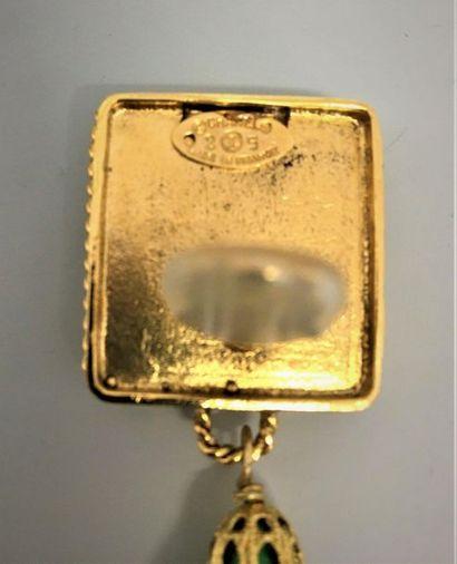CHANEL Made in France Paire de clips d'oreilles en métal doré à fine cordelière...