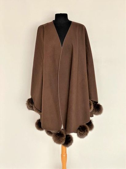 Chocolate wool and cashmere cape and fox...