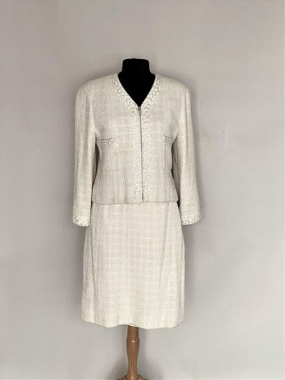 CHANEL Made in France Tailleur à veste zippée...