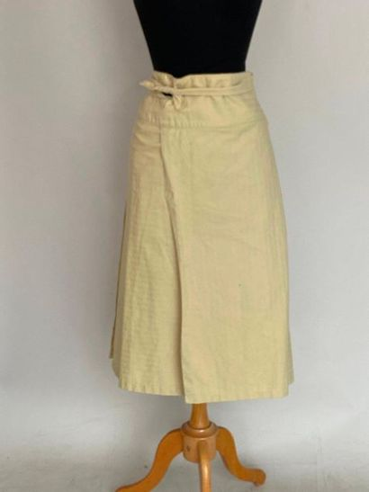 FRANCE ANDREVE Apron skirt in eggshell cotton Size 40  (small stains)