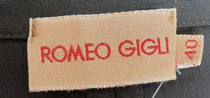 ROMEO GIGLI Jacket with composite boat collar and black crepe cuffs Size 40