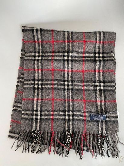 BURBERRY London Flannel Grey Check Scarf...