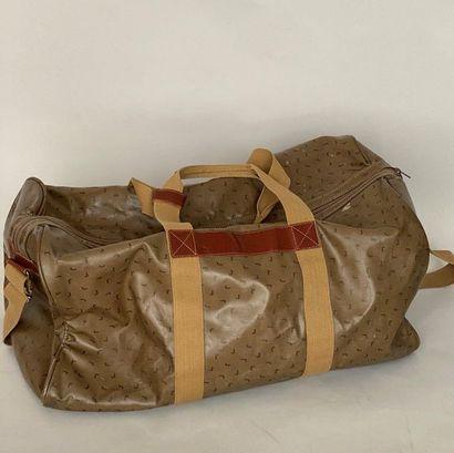LANCEL Travel bag with handles and shoulder...