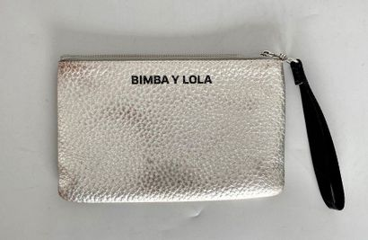 BIMBA Y LOLA Silver leather pouch with inside...