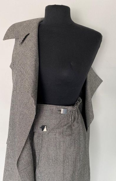 THIERRY MUGLER Prince of Wales grey long jacket suit Size 40  (small hole in pa...