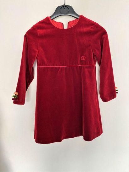 CHRISTIAN DIOR Robe d'enfant en velours rouge...