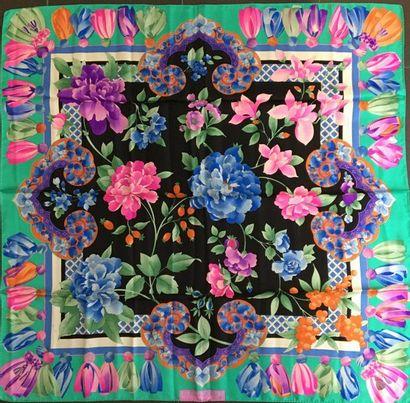 LEONARD Foulard en soie imprimé de fleurs...