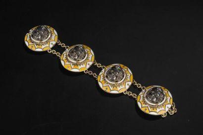 Bracelet en vermeil composé de quatre motifs...