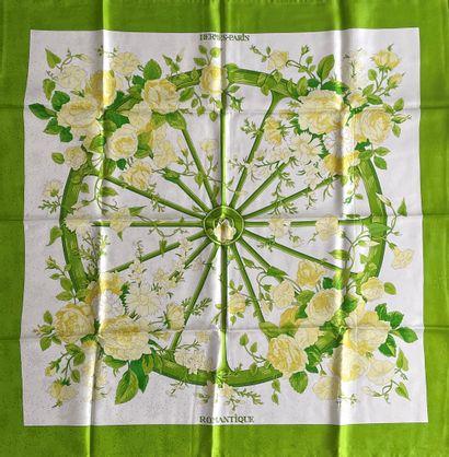 HERMES Paris Romantique carré en soie verte...
