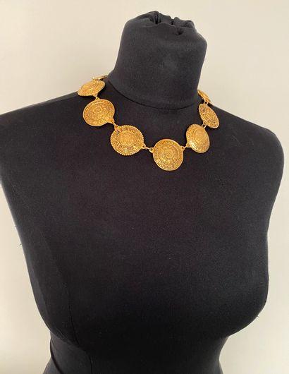 CHANEL Made in France Collier en métal doré...