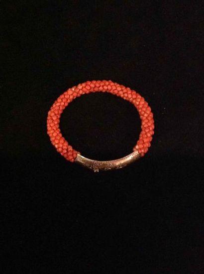 Bracelet semi rigide en or et semi de petites...