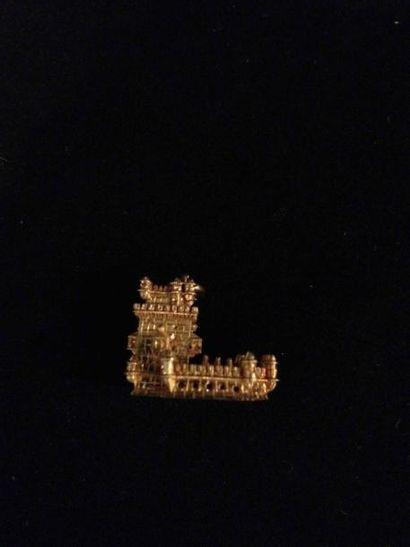 Pendentif figurant la Tour de Bélem en or...