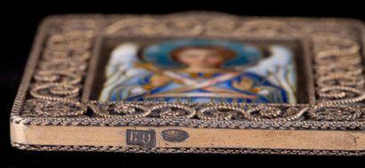 Icone pendentif en argent doré à décor émaillé d'un archange - Moscou 1899/1908...