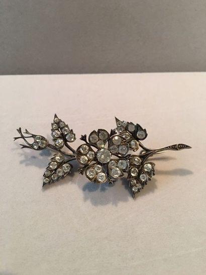 Petite broche trembleuse Fleur en argent...