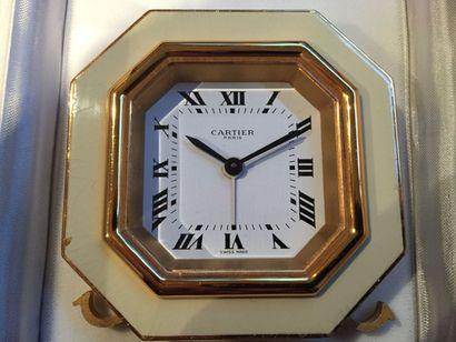 Must de Cartier Paris Pendulette réveil octogonale...