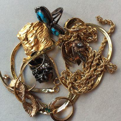 Lot de bijoux en métal doré et argenté (2...