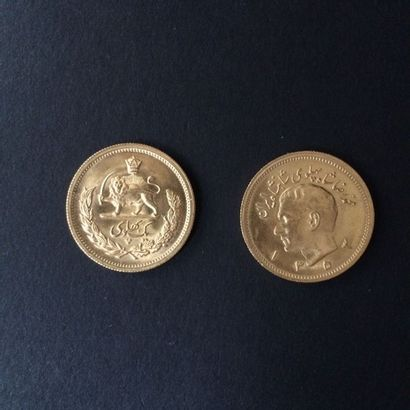 IRAN. Deux pièces de 1 Pahlavi en or.  Poids...