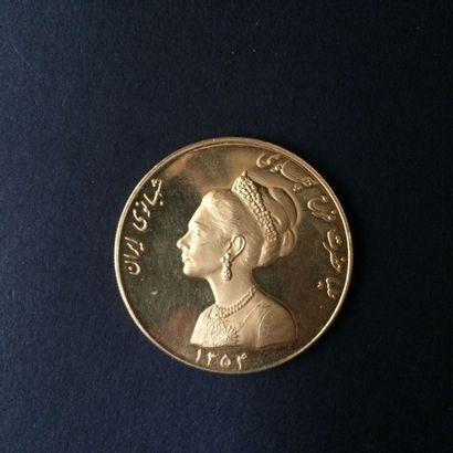 IRAN. Médaille commémorative en or, en l'honneur...