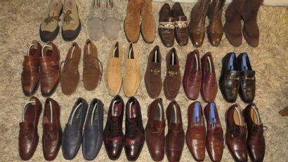 PRADA et GUCCI  4 paires de chaussures et...