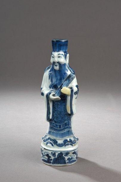 Statuette en porcelaine bleu blanc représentant...