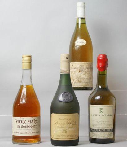 4 Bouteilles ALCOOLS DIVERS : 1 MACVIN DU...