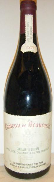 1 magnum BEAUCASTEL 1997 Etiquette tachée....