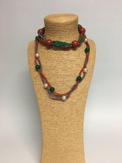 Collier à 2 rangs de perles de verre brun...