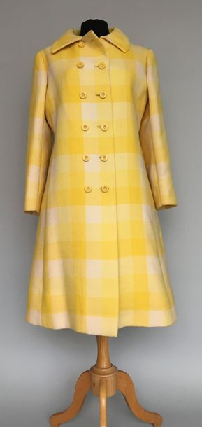 Manteau en lainage à carreaux jaunes et blancs...