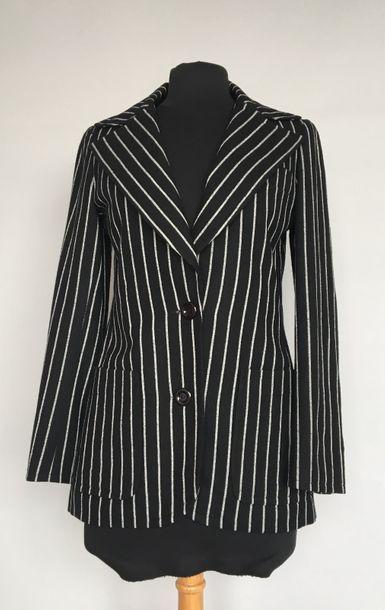 Veste en lainage noir à rayures blanches...