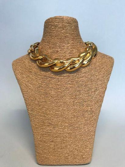 CHANEL  Collier et Bracelet en métal doré...