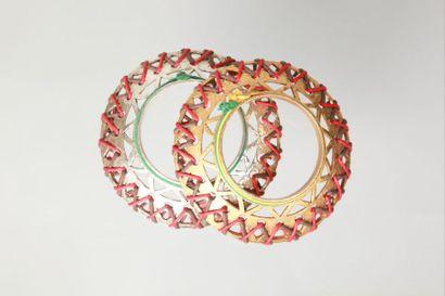 CLAIRE DEVE  Paire de bracelets d'inspiration...