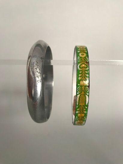 Bracelet jonc en métal patiné  ET  Bracelet...