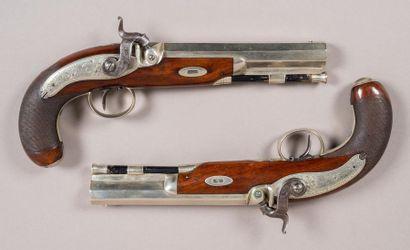 Superbe cassette de pistolets en placage...
