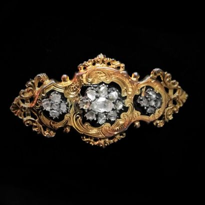 Broche or, émail et diamants taille rose...