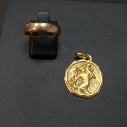 Alliance et médaille or  Poids :7.9 g
