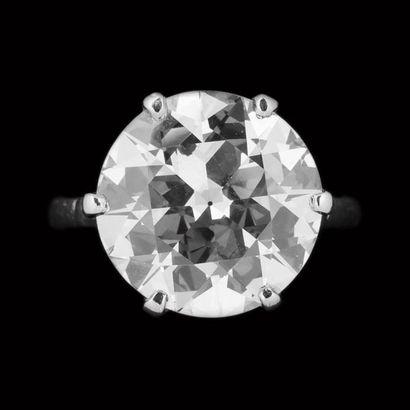 Bague solitaire diamant taille brillant,...
