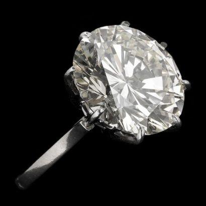 Bague solitaire diamant taille brillant 14,44...