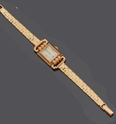 OMEGA  Montre bracelet de dame en or jaune...