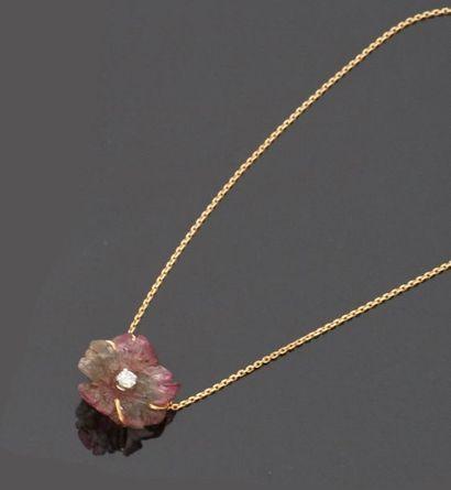 Chaine pendentif en or jaune 18 k (750 millièmes)...