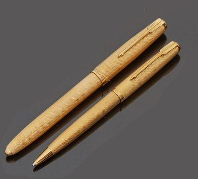 PARKER  Parure à écrire en or jaune 18 k...