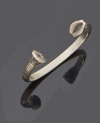 ARTUS BERTRAND  Bracelet rigide demi-jonc...