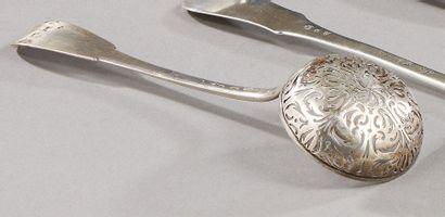 PARIS 1789  Cuiller à sucre en argent modèle...
