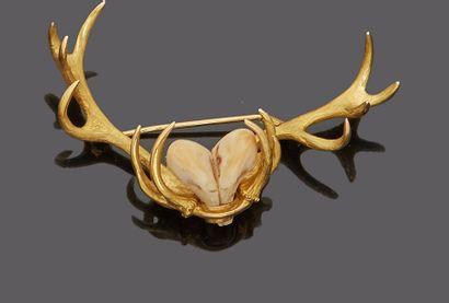 MELLERIO  Broche de chasse en or jaune 18...
